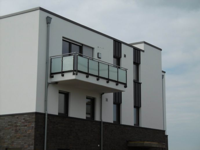 Schön geschnittene 2 Zimmer Maisonette Neubau-Whg 12.OG mit BalkonKlimagerät - Am Nierspark 56