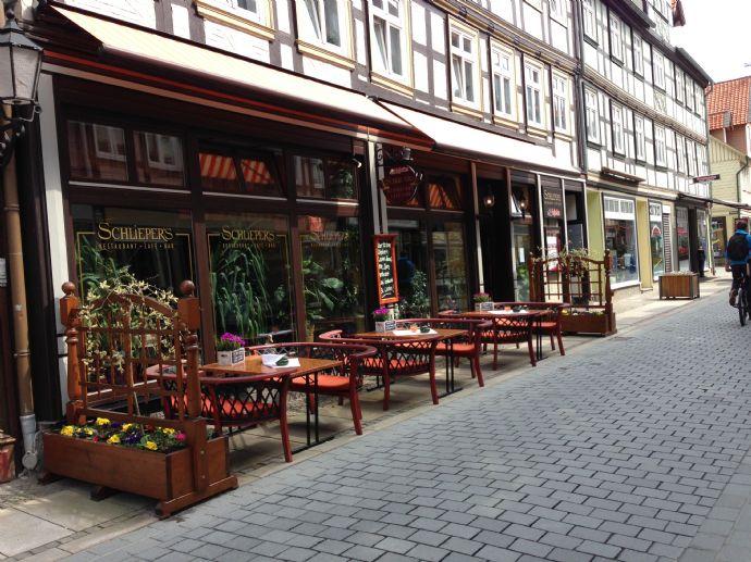 Mehrfamilienhaus (7 Wohneinheiten, 450 m2) zzgl. Restaurant mit Vollausstattung (ca. 279 m2) in Wernigerode Zentrum zu verkaufen