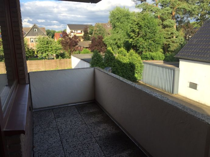 74 m² helle Wohnung mit Balkon in bester zentraler Lage