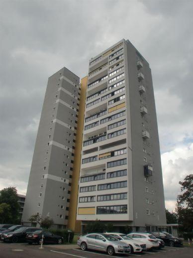 215 Freie 3,5 ZimmerWohnung mit herrlichem Panoramablick und Tiefgaragenplatz