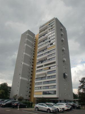 215 Schöne, freie 3,5 ZimmerWohnung mit herrlichem Panoramablick und abgeschlossenem Tiefgaragenplatz