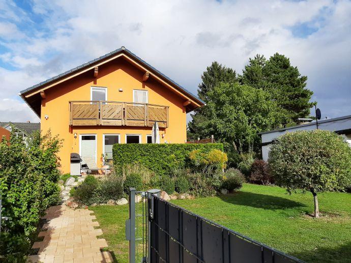5-Zi-Einfamilienhaus mit Vollkeller und Doppelgarage - W/N ca. 204,59 m² - Berlin-Rudow