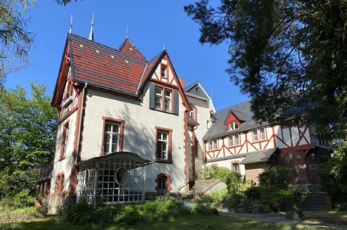Schöne Wohnung in Gründerzeitvilla