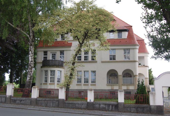 geräumige 2-Raum-Erdgeschoss-Wohnung mit Balkon in Eibau