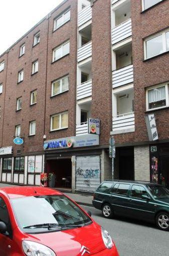 Duisburg - Innenstadt, sanierte 3 Zimmerwohnung mit Einbauküche und Aufzug