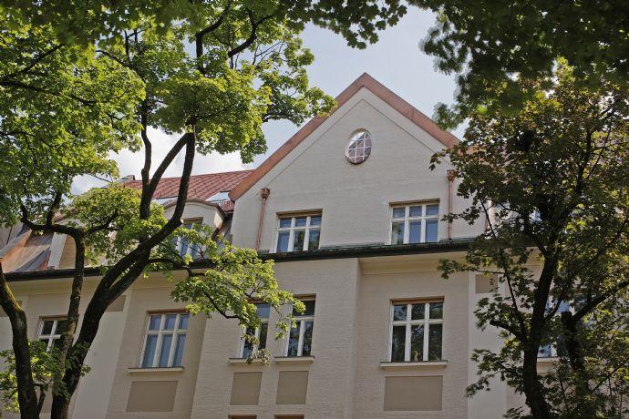 ALSAOL Immobilien: Edle 6 Zimmer Jugendstil-Wohnung - Exzellente Kapitalanlage in Bestlage Bogenhausen-Herzogpark !