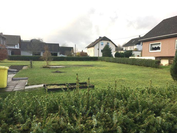 Ebenes Grundstück in sonnigem Wohngebiet von Feudingen