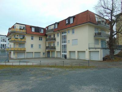 helle wohnung mit gro em balkon und garage apartment hildburghausen 2hz574j. Black Bedroom Furniture Sets. Home Design Ideas