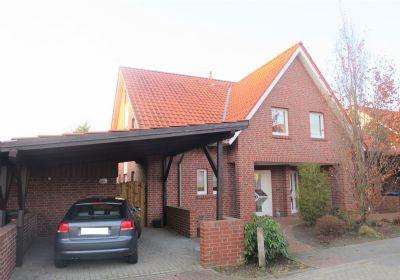 VERMITTLUNGSGEBÜHRENFREI FÜR MIETER.....gepflegte DHH (Bj. 1999) mit Carport & Geräteraum, Vollkeller, sonniger Terrasse & Garten in Lingen-Laxten!