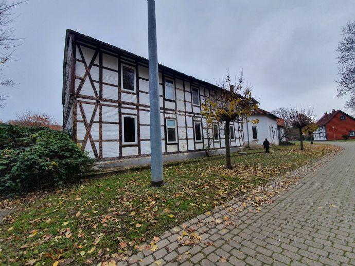 Großes Haus mit Lager und 3338m2 Grundstück zwischen Vienenburg und Schladen zu verkaufen