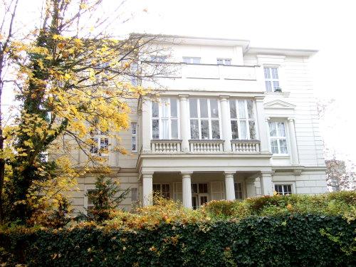 Parkstraße - nahe Kurhaus - große und helle Wohnung mit Balkon