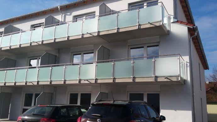 (Studenten)-Wohnung ,neuwertig, zentrale Lage