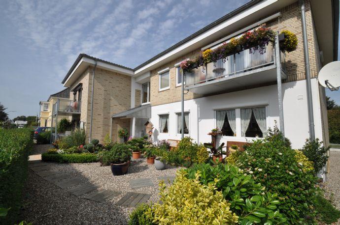 TOP! Eine 4-Zimmer Maisonette - Wohnung mit Gästebereich und 4 zusätzlichen Wohnungen in Strandnähe!