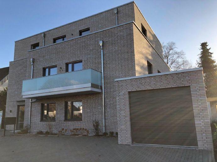 Erstklassige Neubauwohnung mit eigener Terrasse Erdgeschoss, Aufzug