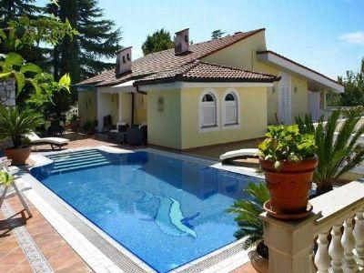 Villa Lijane mit Pool in Kostrena - Ferienwohnung 3+2+1