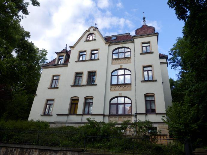Jugendstil Mehrfamilienhaus Am Wilden Mann in Trachenberge zu verkaufen!