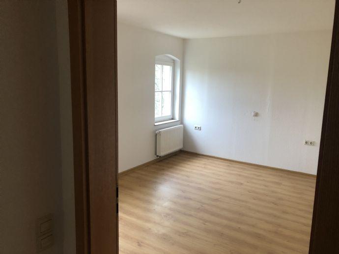 Attraktive 2 Zimmerwohnung in Langenwolmsdorf