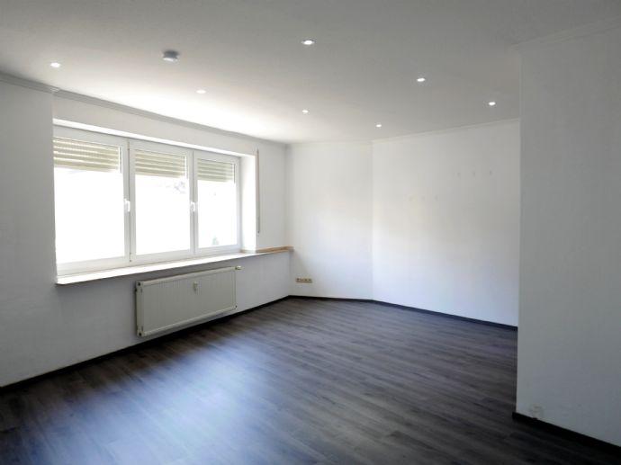 2-ZIMMER-KOMFORTWOHNUNG  81 qm (designed) in 2-Parteien-Stadthaus - EUSKIRCHEN-MITTE