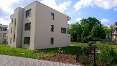 Doppelhauswohnung mit Gartenanteil, Terrasse und Balkon