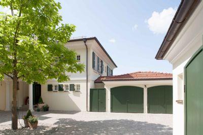 Innenhof mit Garagen