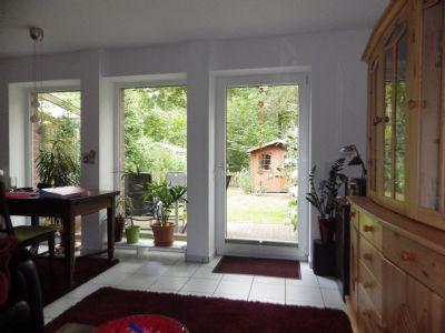 Wohnbereich mit Blick in den Garten