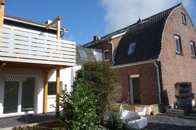 kleines Haus und großes Haus Rückansicht