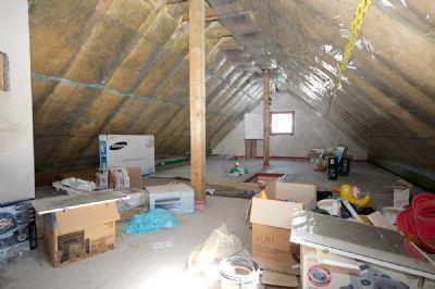 Der Dachboden mit Ausbaumöglichkeiten_01