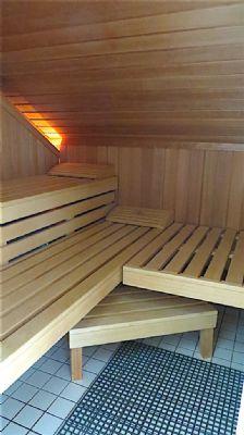 offenes wohnen in luxuri ser designer villa auf. Black Bedroom Furniture Sets. Home Design Ideas