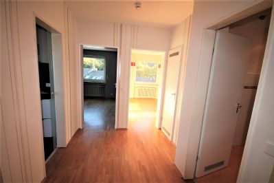tolle 2 zimmer eigentumswohnung mit balkon etagenwohnung schwelm 2mzmr4b. Black Bedroom Furniture Sets. Home Design Ideas
