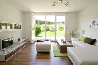 Reihenhaus statt wohnung neubau von reihenh usern mit 136 for Reihenhaus wohnzimmer gestalten