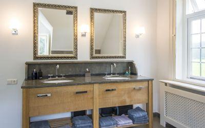 holland immocenter beeindruckendes englisches landhaus f r u a pferdeliebhaber in. Black Bedroom Furniture Sets. Home Design Ideas