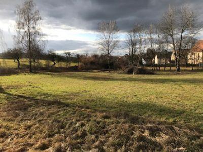 Baugrundstück für Villa mit unverbaubarem Blick und eigenem Bachlauf zu verkaufen - am Fuße des Glatzenstein -