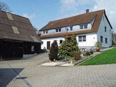 Bauernhaus_Scheune_Grundstueck_01