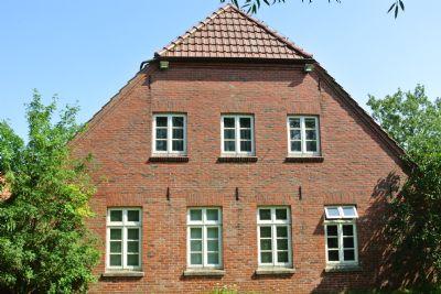 Ausgebautes Wohnhaus mit sep. Gästeteil im OG