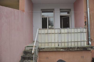 Balkon und Zugang Garten