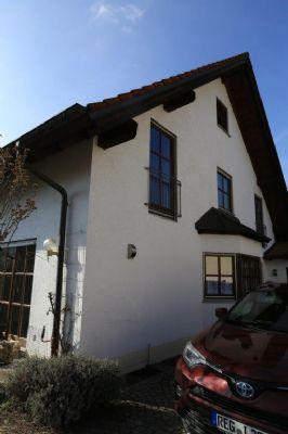Schönes, geräumiges Haus mit drei Zimmern in Ismaning, LKR München
