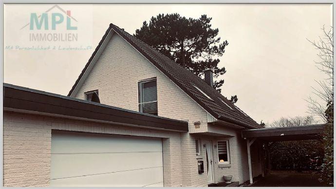 Reserviert! Einfamilienhaus mit Doppelgarage in ruhiger und grüner Lage