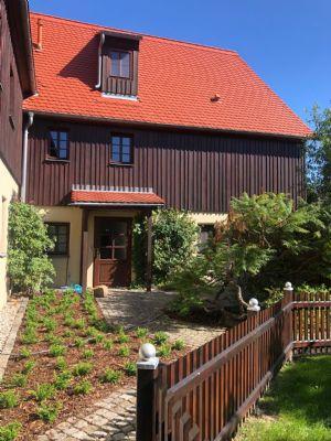 2 Zimmer- Wohnung mit eigenem Eingang, Terrasse und Gartenbereich, große Küche (EBK) und attraktiven Badezimmer