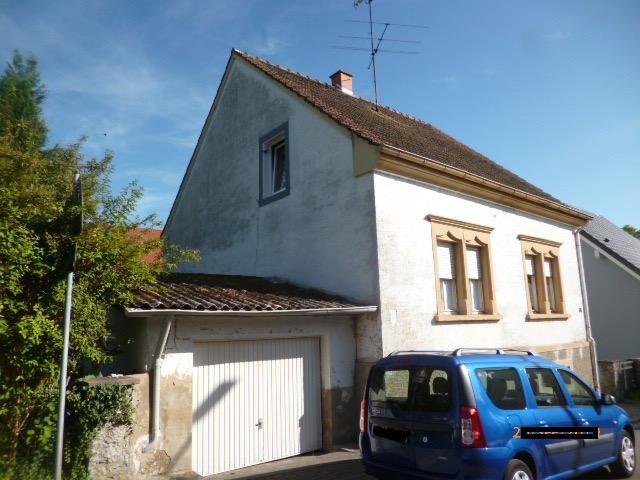 Wannemacher Immobilien **** Freistehendes Einfamilienhaus für Handwerker in St.-Ingbert - Hassel ****