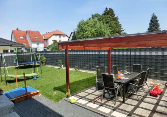 Maisonette- Wohnung auf drei Etagen mit Garage, Garten und Terrasse in Mannheim, Rheinau-Süd!