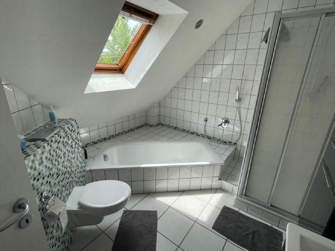 2-Zimmer-Maisonette-Wohnung im 1. Obergeschoss mit Einbauküche