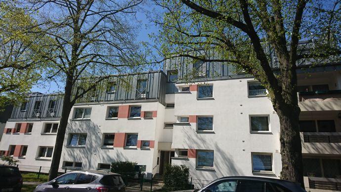Attraktive vermietete Dachgeschosswohnung in grüner und ruhiger Lage