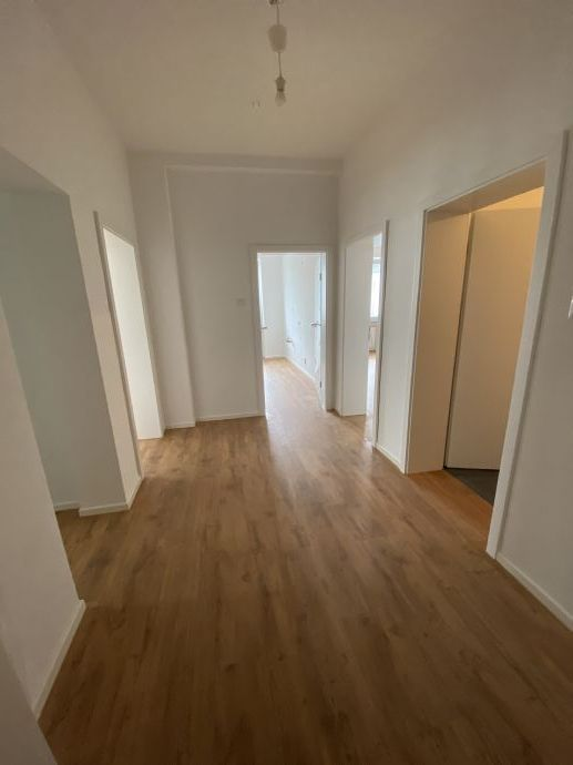 Sanierte 2,5 Zimmer Wohnung in Bochum Ehrenfeld