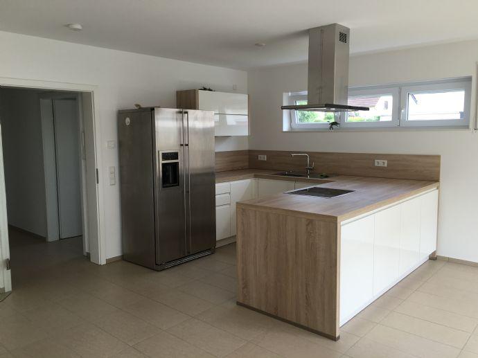 Sehr gepflegte 2-Zimmer Wohnung mit Terrasse und Gartenanteil in ruhiger Wohnlage in Alz.-Wasserlos
