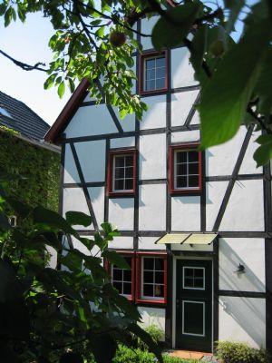 Ferienhaus mit kleinem Garten an der südlichen Stadtgrenze zu Bonn gelegen
