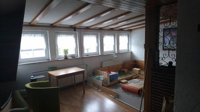 2-Raum-Dachgeschosswohnung mit EBK Balkon und