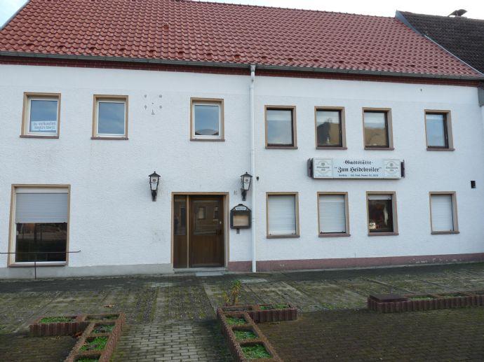Wohnhaus/Gaststätte, ideal f. Pizzeria, Werkstatt, Baufirma, Gewerbe