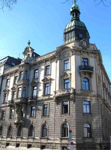 Ein Traum! Stadtwohnung mit Isarblick in Jahrhundertwendeanwesen, Steinsdorfstrasse