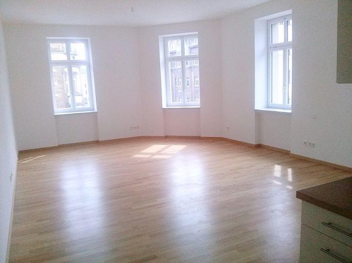 Großes 1-Zimmer-Apartment mitten in Gohlis!