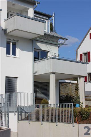 ** Luxuriös möblierte 2,5-Zimmer-Wohnung im 1.OG inkl. Tiefgaragenstellplatz **
